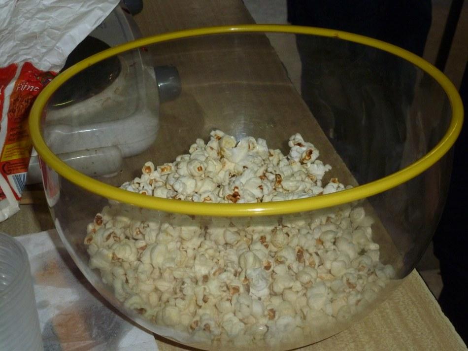 Plat de pop corn préparé par les enfants