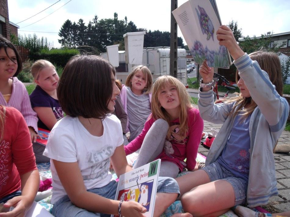 Lire au jardin9